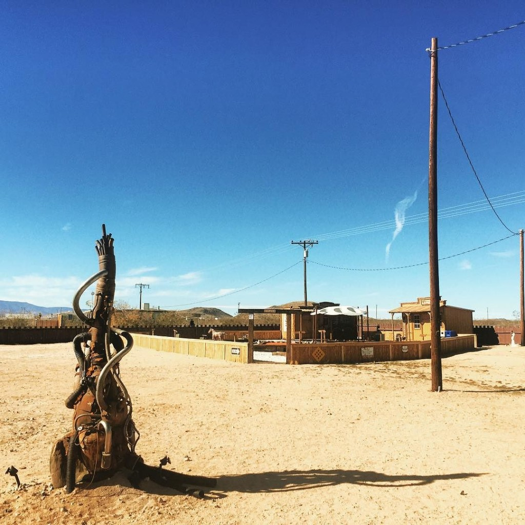 Gooooood_morning__Hicksville.__trailerpark__joshuatree__usa__merica