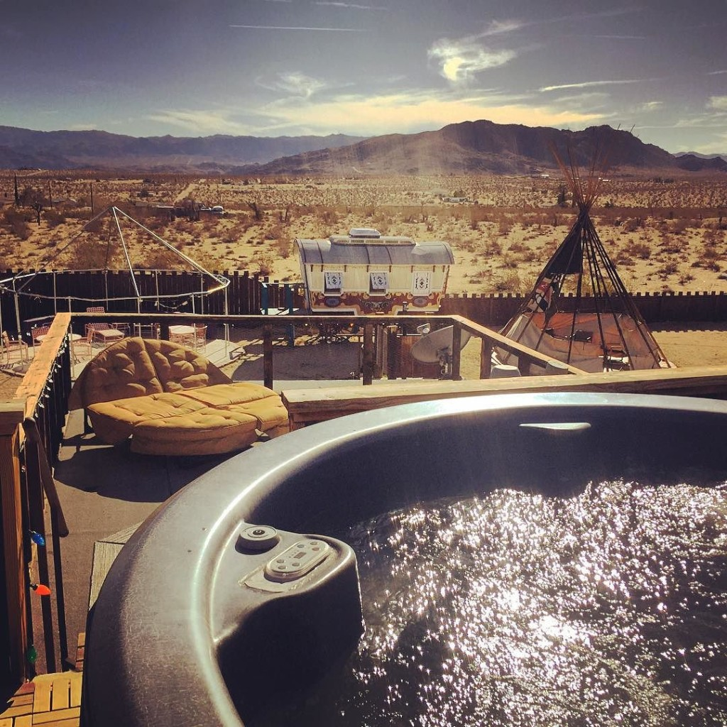 Hot_tub_with_a_view___joshuatree__trailerpark__Hicksville__merica__usa__CA__camping__California